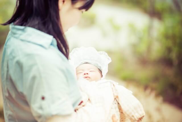 新生児・赤ちゃんの平均的な授乳間隔は?授乳間隔トラブルの原因と対策