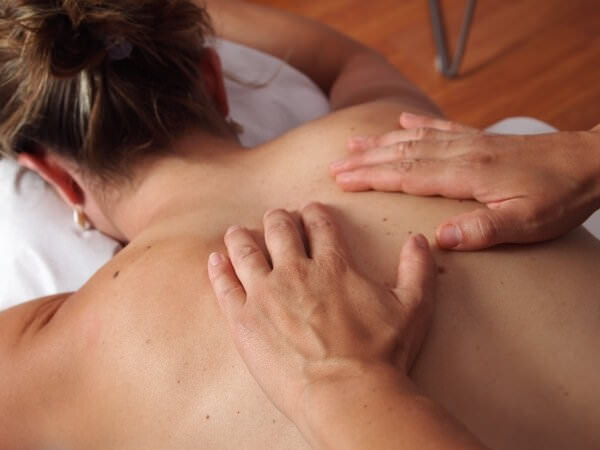 physiotherapy-massage-back