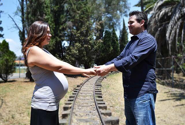 pregnancy-1236744_640